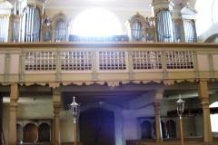 Organy w trakcie i po renowacji